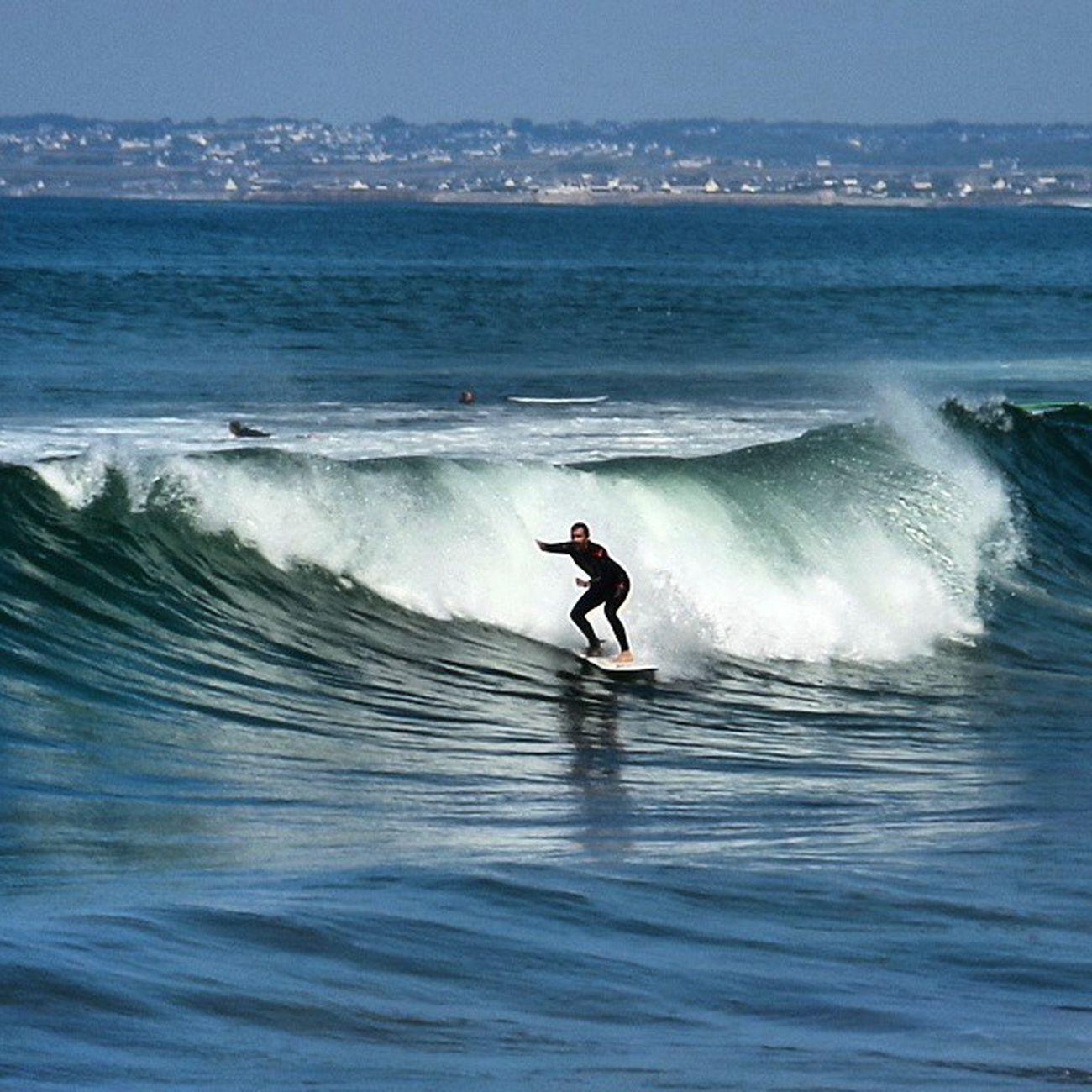 Surfer Surf Pointedelatorche Bretagne holidaysbretagnetourismelikecoolyolopicofthedaywavesseasunfun
