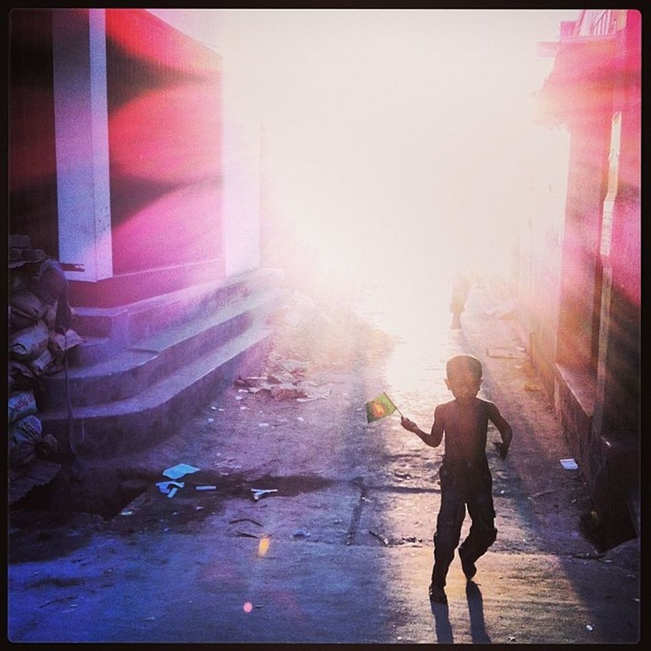 Sun Light Winter Evening Shadow Child Children Flag Bangladesh Play Street Chaktai Chittagong City Instagram