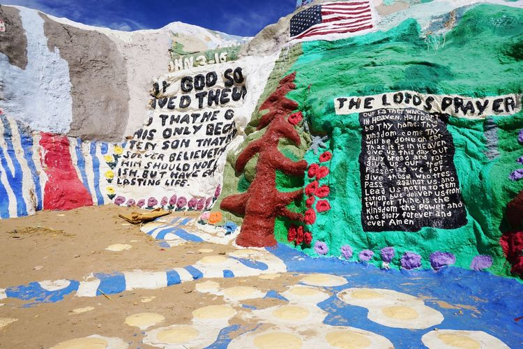 2016 America California Colorful Colors Cute Desert GOOD IS LOVE Hand Made Mountain Painting Salvation Mountain Travel アメリカ サルベーションマウンテン Wall Wall Art Sky