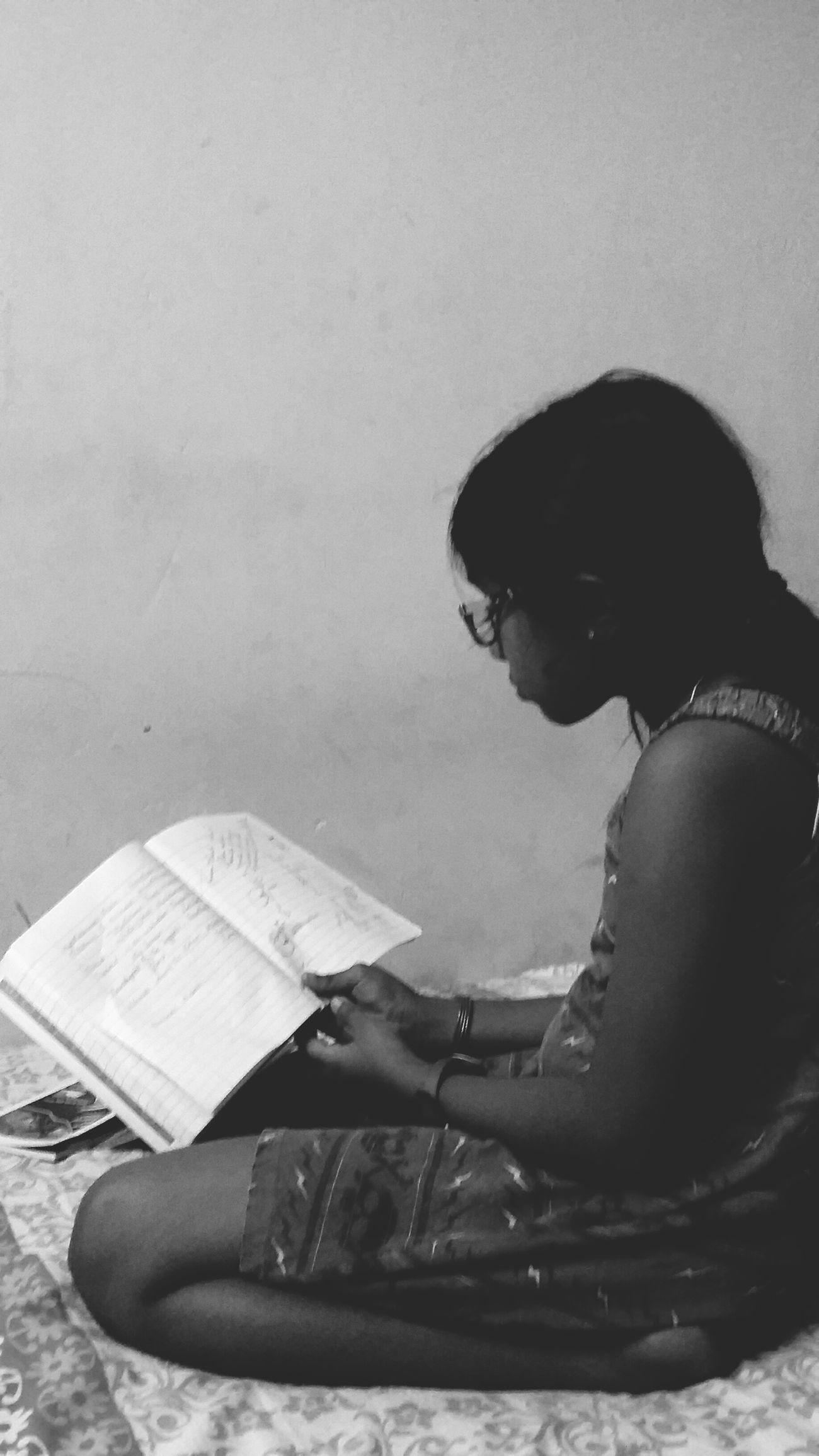 My Student Life Sis❤ Studying Hard Exams Blackandwhite Photography