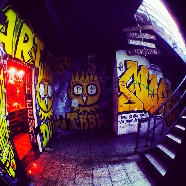 Artsy Bathroom Dubl Trubl Berlin