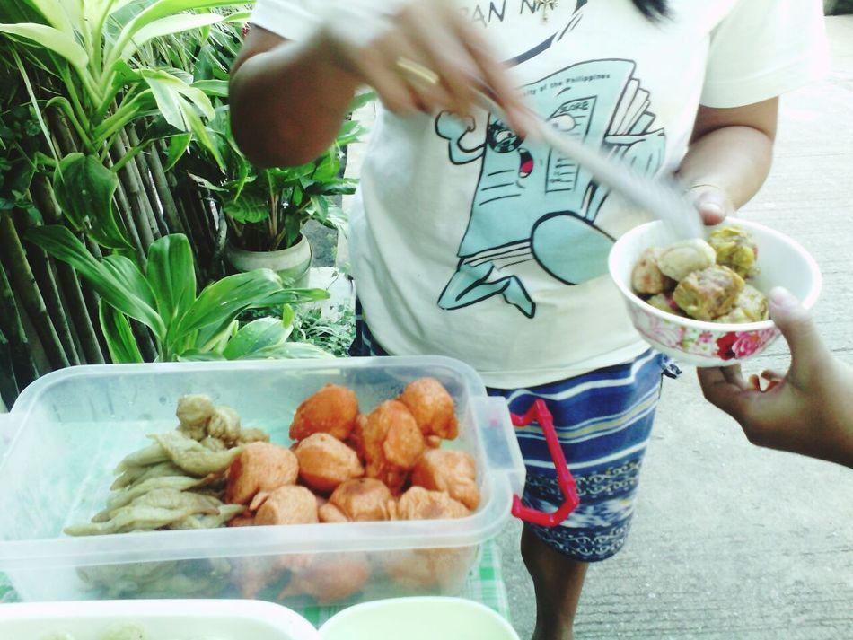 Streetphoto StreetFoodPH Bowl Human Body Part Streetfoodlovers Streetfoodgoodtaste Streetfoodasia Streetphotography Streetlife Philippines Plants 🌱 Foodporn
