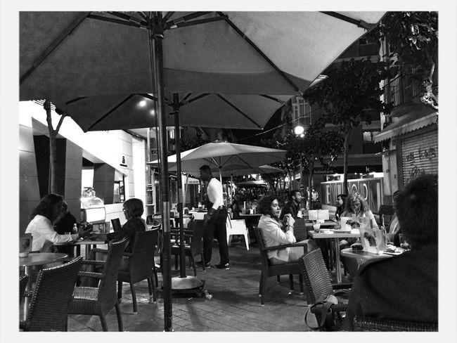 Sombrillas en la noche Streetphoto_bw Black & White Night Life Holiday