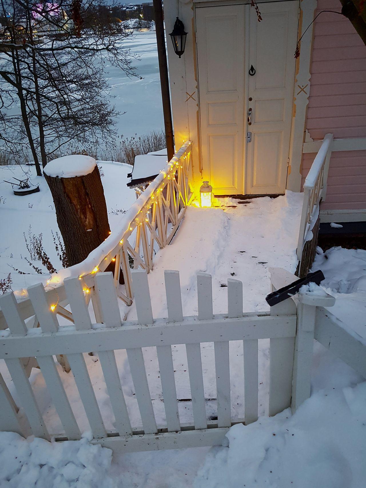 Snow Winter Helsinki Finland Evening Lights And Snow Cute Winter Wonderland ❄ Töölönlahti House Christmas Christmas Lights House By Lake