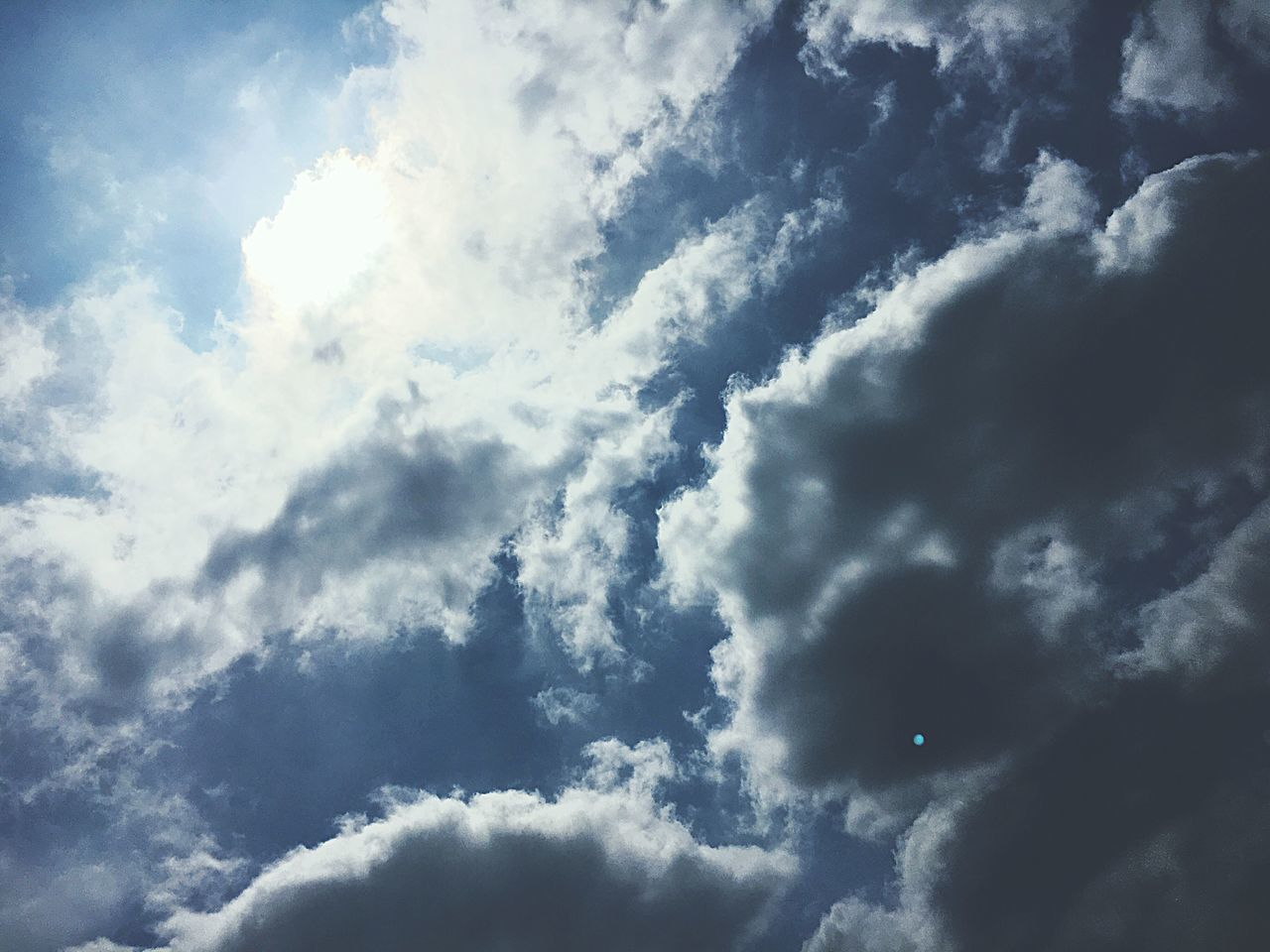 Cloudy Sunlight Afternoon Blinding Sunlight Sunnyday☀️ Outdoors Beauty In Nature Scenics Cloud - Sky Vibrant Light Sky No People