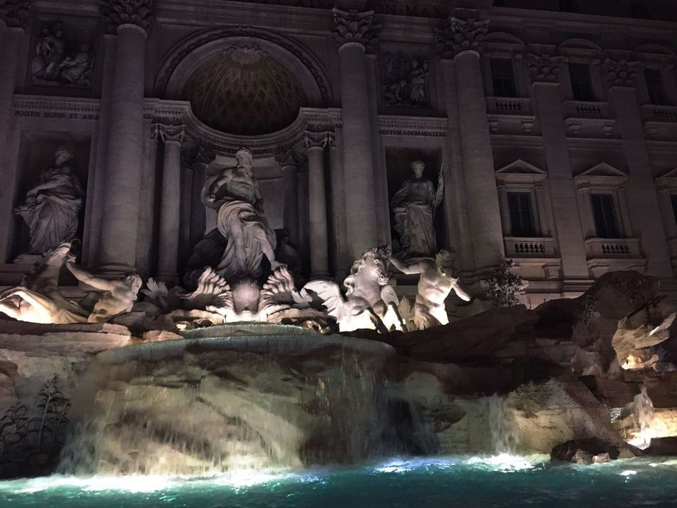 Trevi fountain TreviFountain Rome Romebynight Architectural Column Architecture Fountain Roma