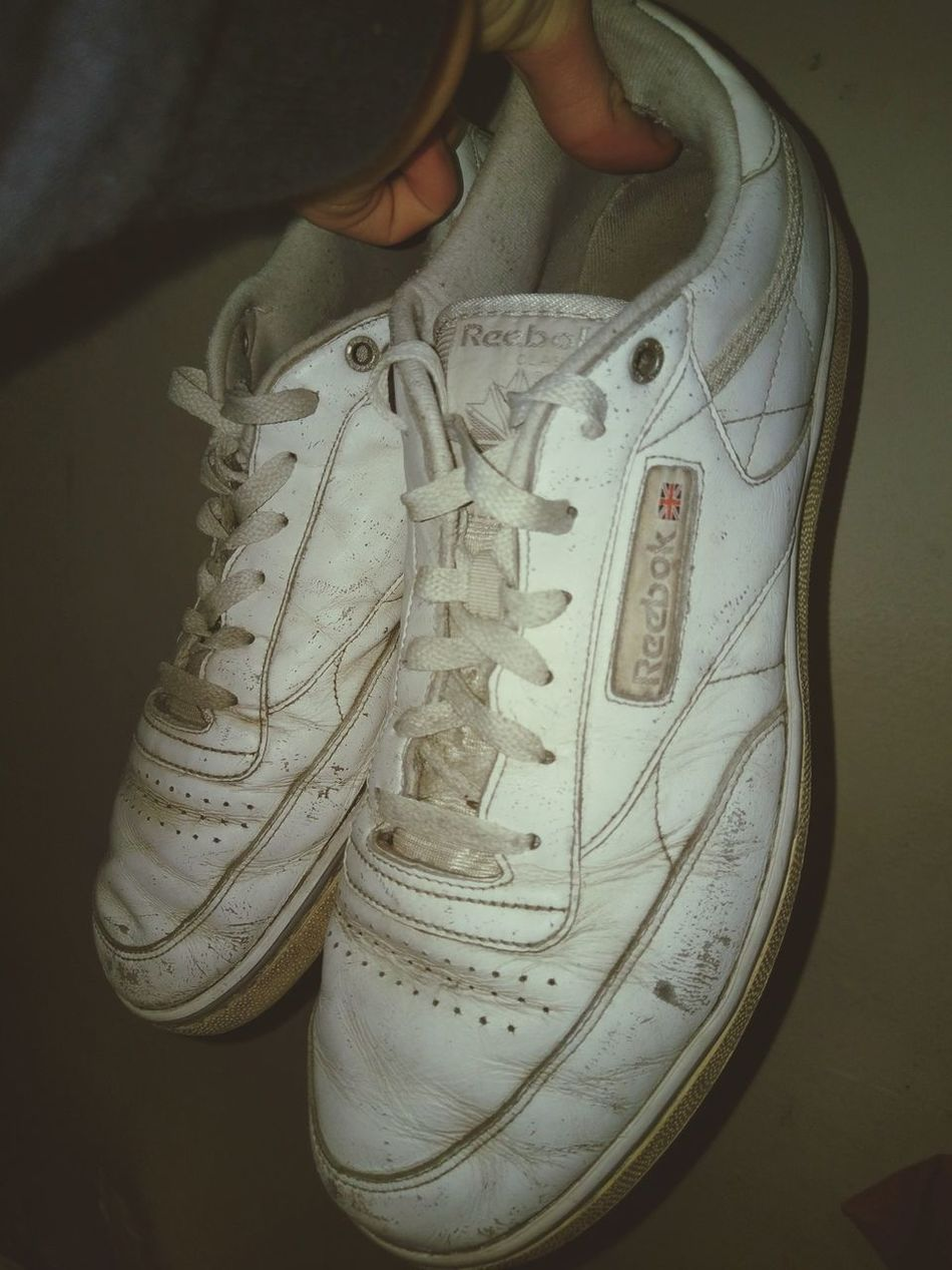 Found a old pair of my dads Reeboks in the attic Close-up Shoes Reebok Classic  Reebok Indoors  Old Shoes 90s