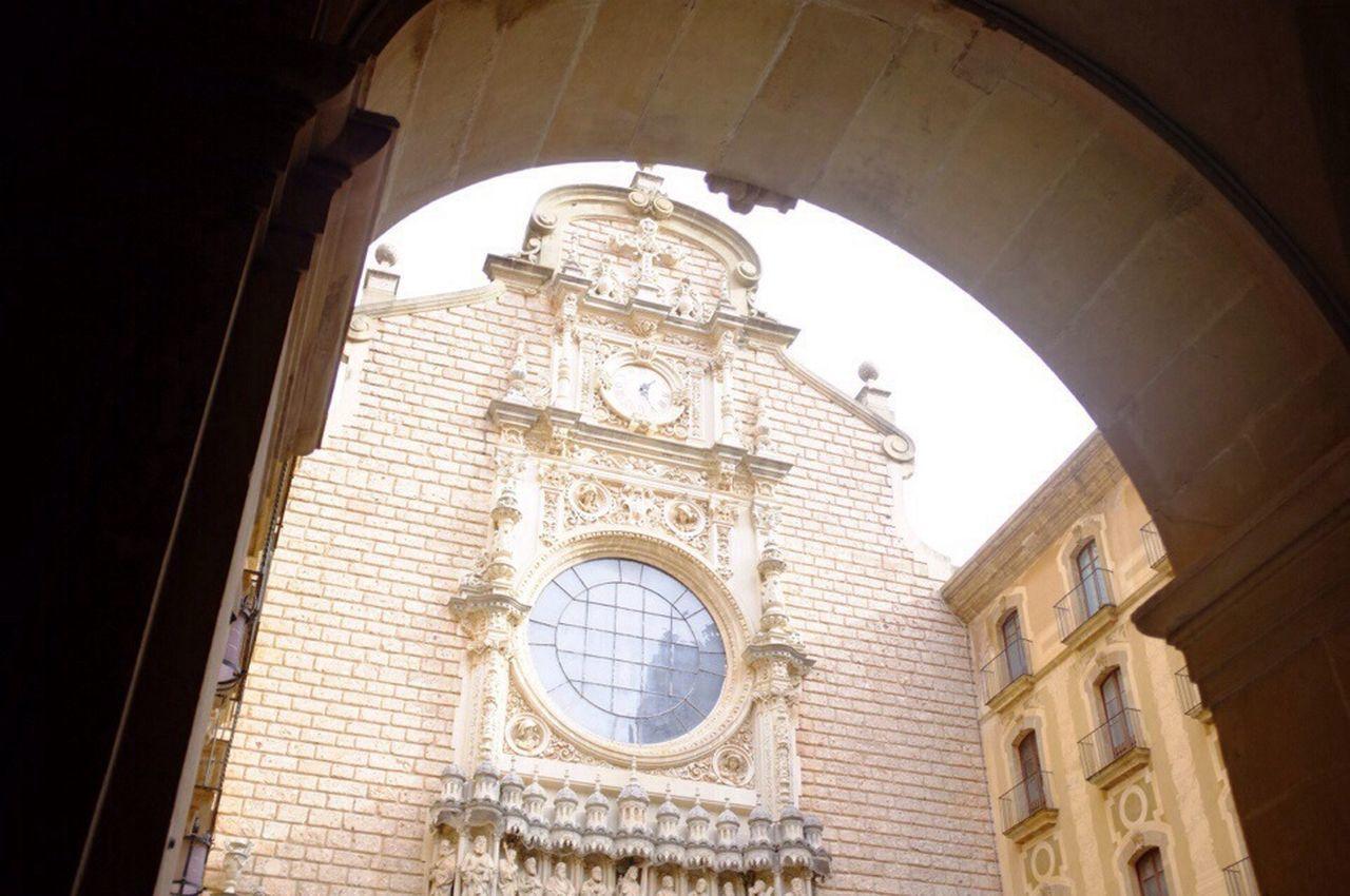 2013. 1. 18. Monistrol De Montserrat  Architecture SPAIN Travel