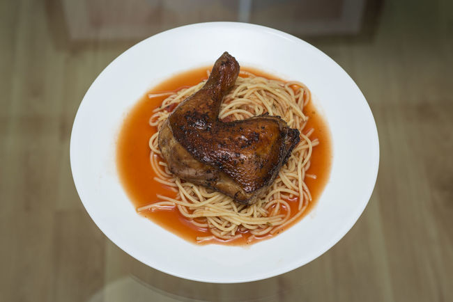 Air Fried Appetizer Chicken Close-up Directly Above Food Food And Drink Food Styling Freshness Garnish Healthy Eating Home Cooked Indoors  Indulgence Meal Overhead View Plate Ready-to-eat Serving Size Spaghetti Temptation