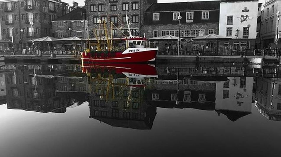 An old picture slightly edited Plymouthdevon Plymouthbarbican Suttonharbour Britansoceancity Harbour Thelensebible Swisbest Lifethroughalens Photographylovers Photography Nikon_photography_ Nikonphotography Nikond3200 Daily_photoz Lovephotography  Instalike Fishingboat Reflection Sea Instalove Coloursplash Crystal Seareflection Loveplymouth Fishingport instagram amaturephotography amateur photo earlymorning