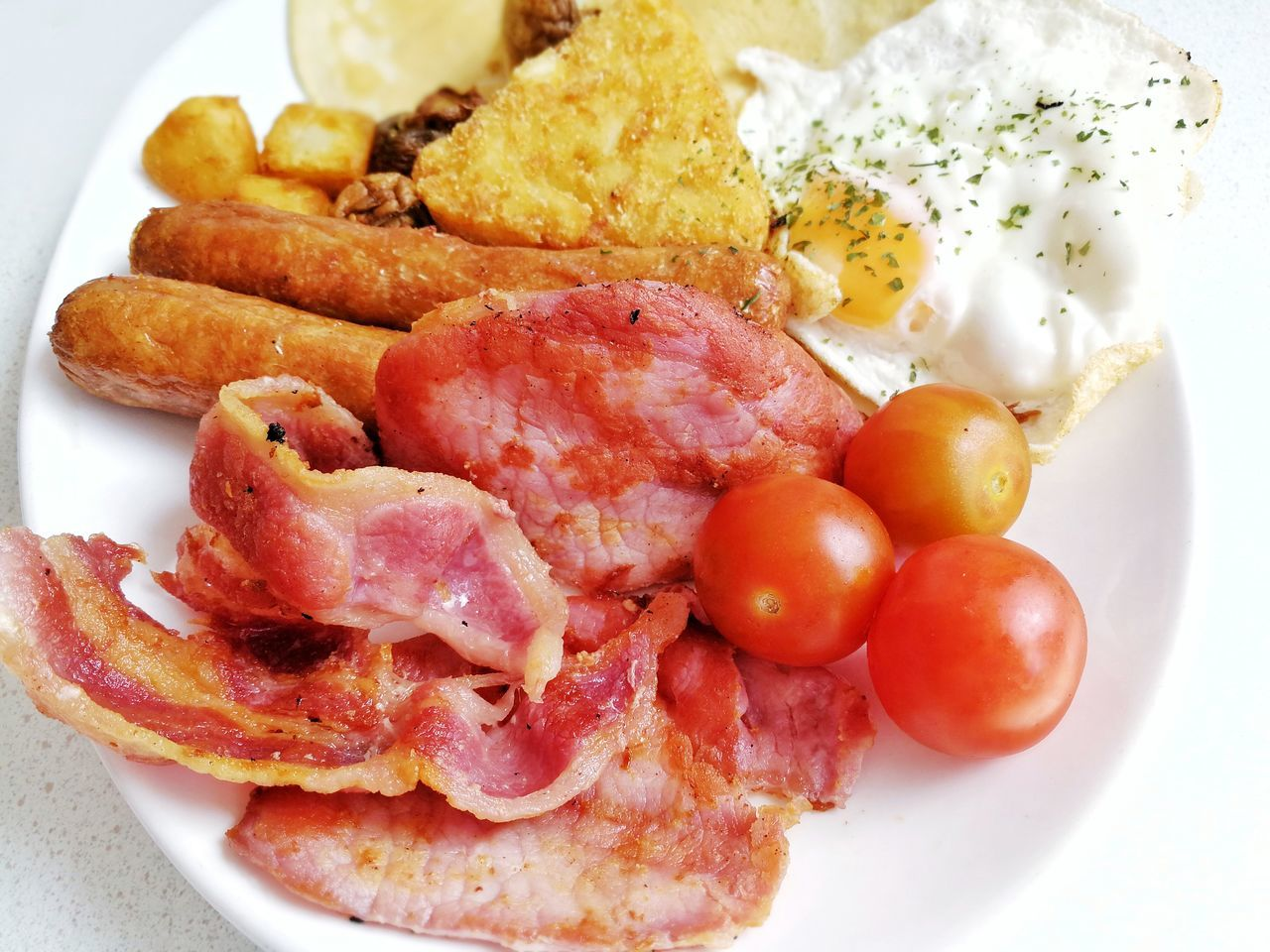 Food Food And Drink Plate Ready-to-eat No People Prepared Potato Healthy Eating Serving Size Freshness Meat Close-up Indoors  Day Breakfast English Breakfast