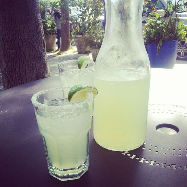 getting ready for the giants game tonight with @gabe7777 Margs Roommatebondingday Fuckinfriday