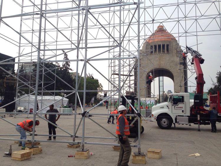 Hombrestrabajando Montaje Replica  Escala CapillaSixtina MonumentoALaRevolucion Ciudaddemexico Joycomunicacion