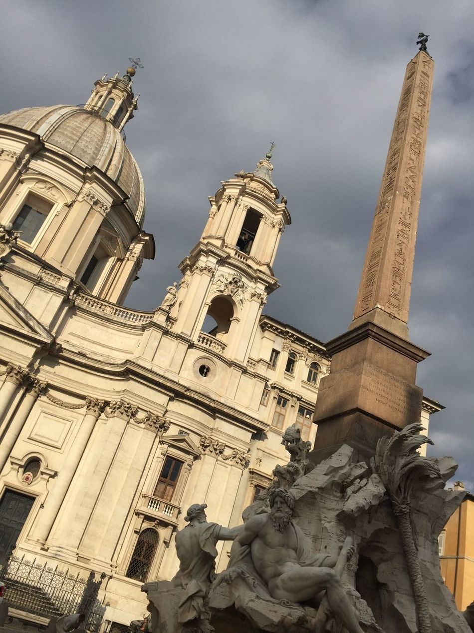 Famous Place IPhoneography Taking Photos Architecture Religion Sculpture History Statue Ancientrome Walking Around City Church Architecture
