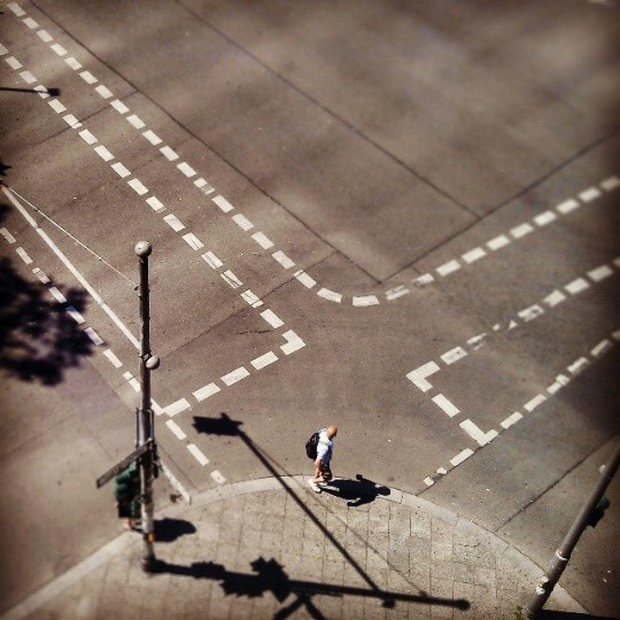 Mittag Kreuzung Kreuzberg Streetphotography Summerinberlin