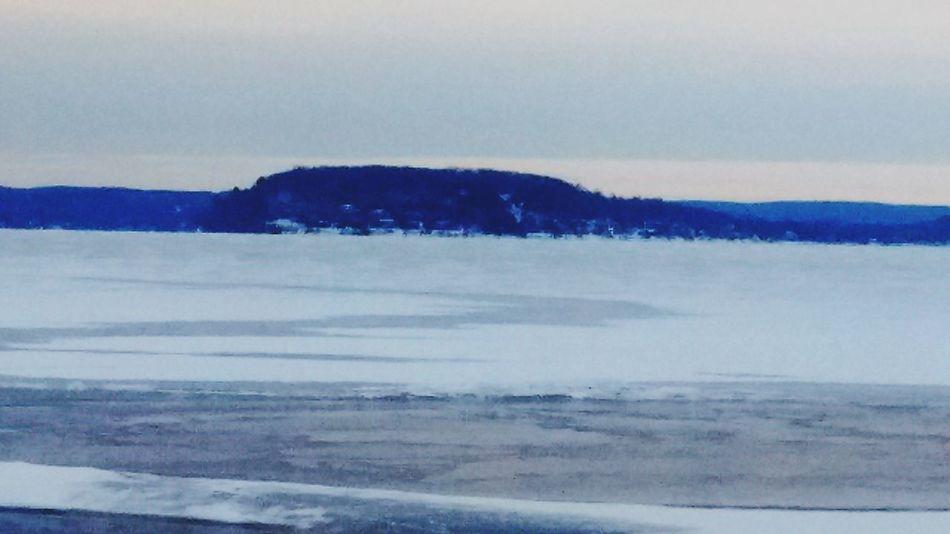 Wiscinsin River Frozen Walk Acrossed Frozen