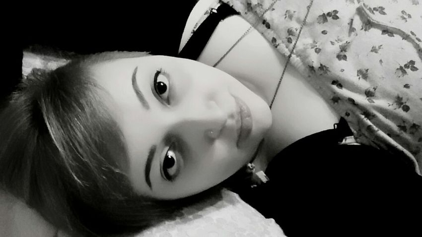 Italiagirl Blonde Browneyes Lips Selfie Blackandwhite Makeup Lookintomyeyes CuteFace