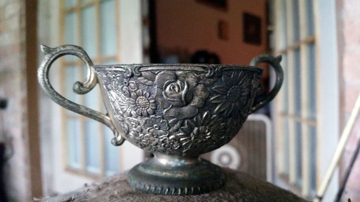 Antique Drink EyeEm Best Shots EyeEm Gallery Food And Drink Hanging Out Old-fashioned Ornate Antique Ornate Design Refreshment Rose Tea Cup Roses Rosé Silhouette Silver Tea Cup Still Life Tea Tea Cup