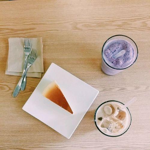 0610 범계카페 포토갤러리카페 Fotogallerycafe 블루베리스무디 바닐라라떼 서비스 쇼파카페 분위기너무조앙♡♡♡
