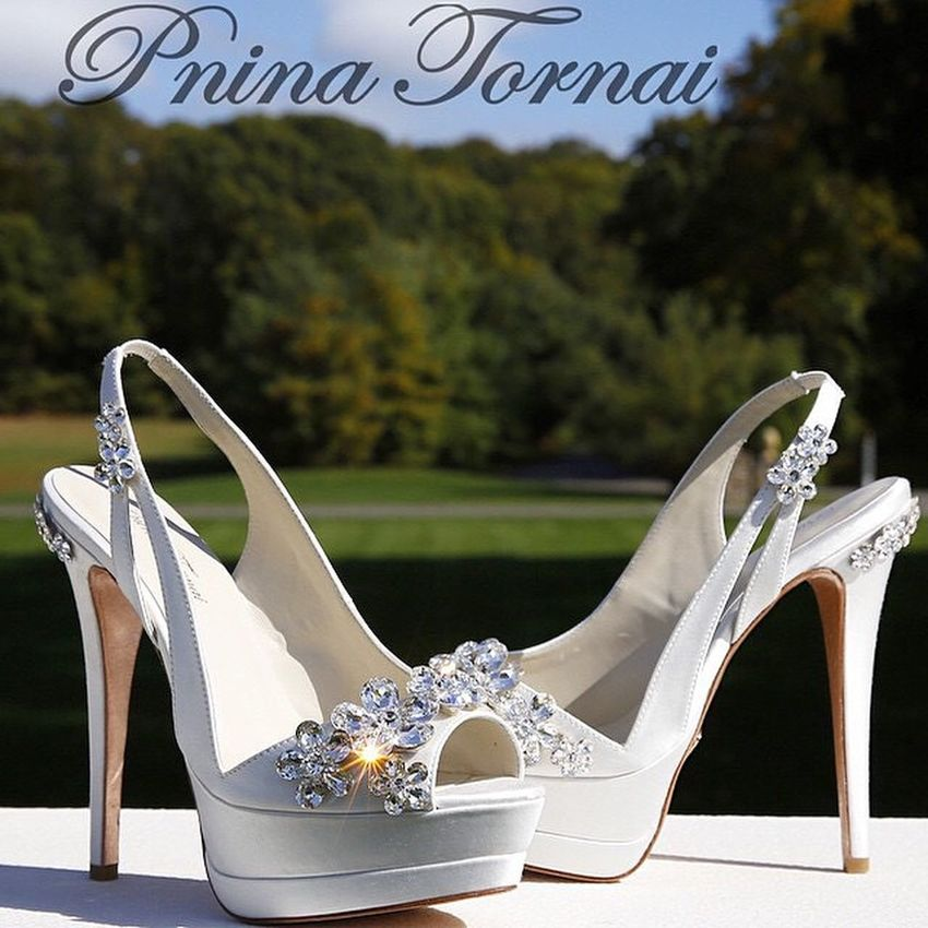 Amazing Shoes Weddingshoes Wannabe stunning on my big W day... Whenever it comes... I just adore Pnina Tornai's dresses and shoes Pninatornai Wedding bride love kleinfelds fashion kleinfeldbridal weddinginspiration pninabride bridal weddingdress bestdayever weddingtheme weddingdresses weddingdream 👰🏽❤️💭