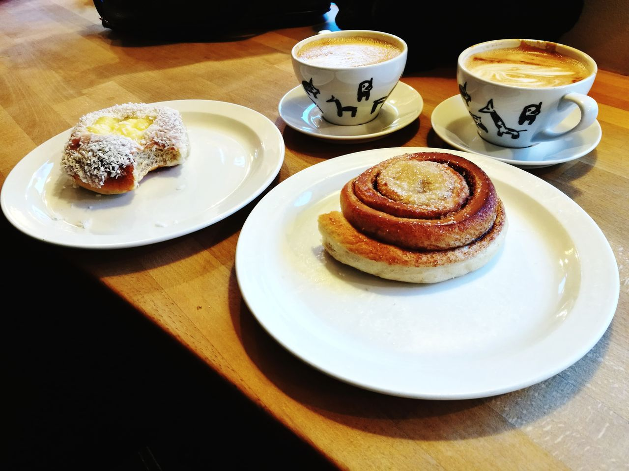 eatin' all the cinnamon rolls! Hanging Out Norway Cinnamon Roll Bakery Smellsgood Caloriesoverload Warm Inside Table Coffee Cup Food And Drink Plate Refreshment