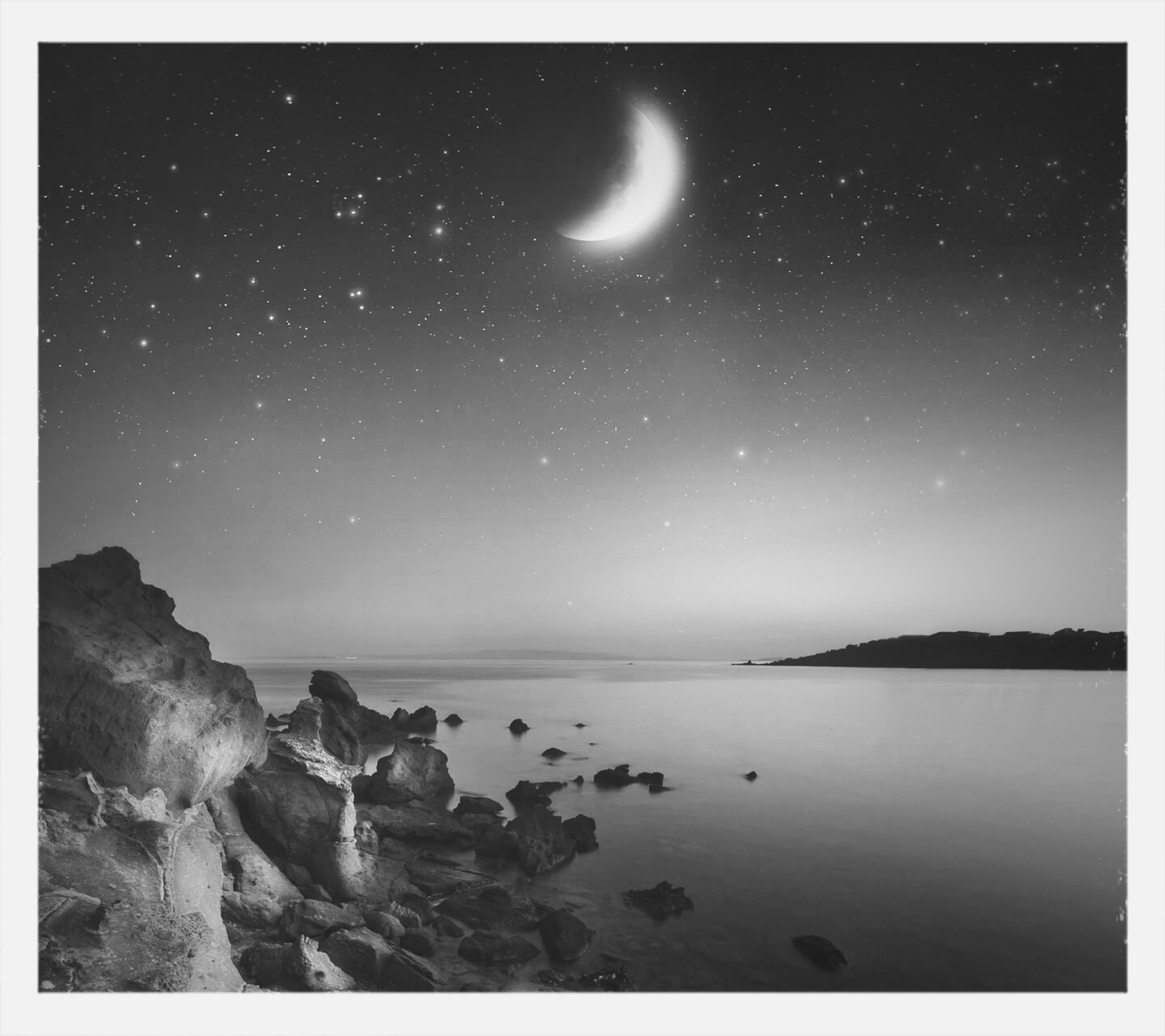 scenics, tranquil scene, beauty in nature, tranquility, night, star - space, astronomy, water, nature, sky, star field, idyllic, star, sea, majestic, galaxy, space, moon, outdoors, no people