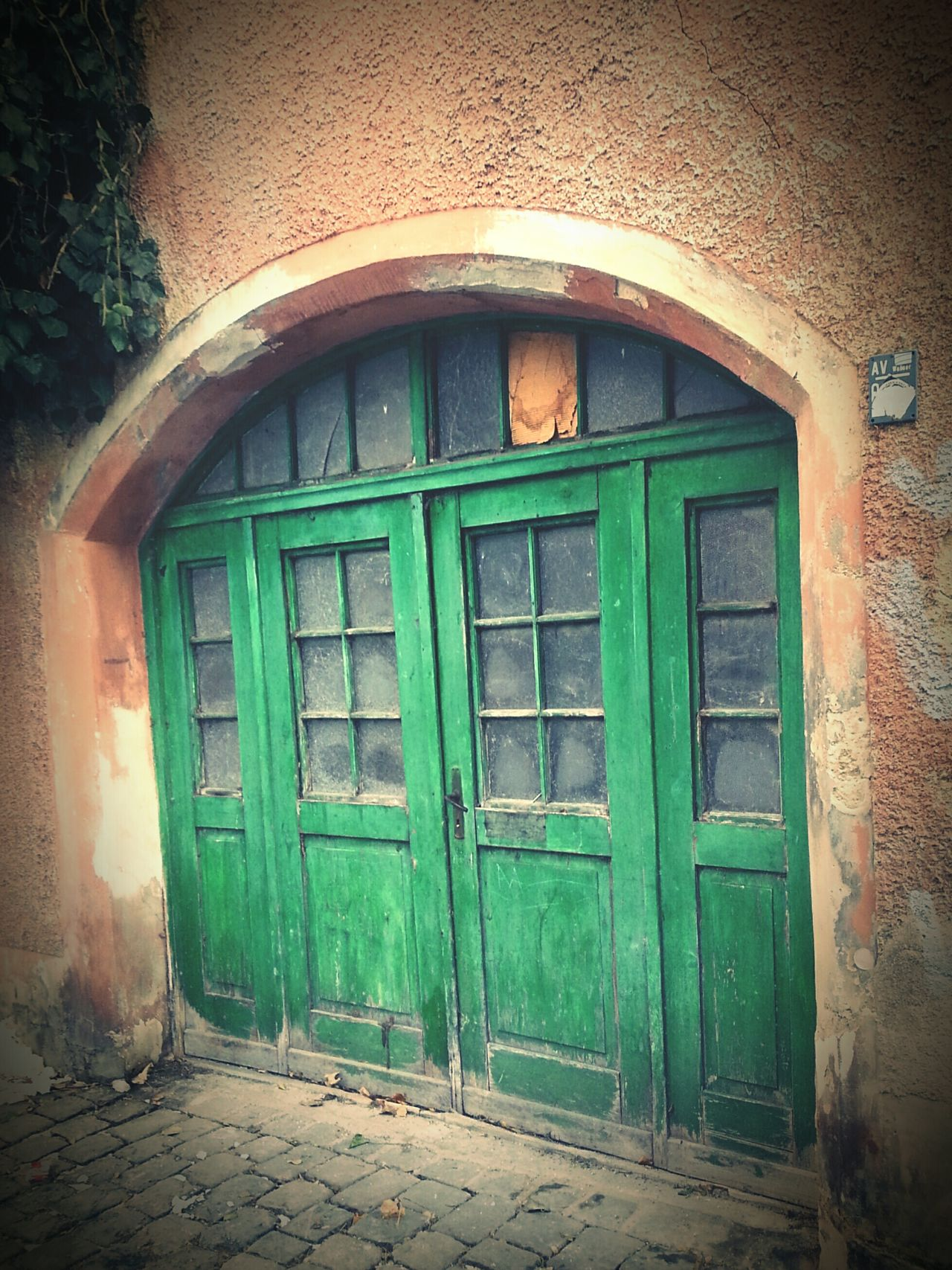 Green Door Door Architecture Building Exterior Closed Built Structure Entrance Window Outdoors Doorway No People House Day Front Door Entry Ajar Augsburg Vintage EyeEmNewHere Architecture Oldschool Green Pastel Broken Glass Let's Do It Chic!