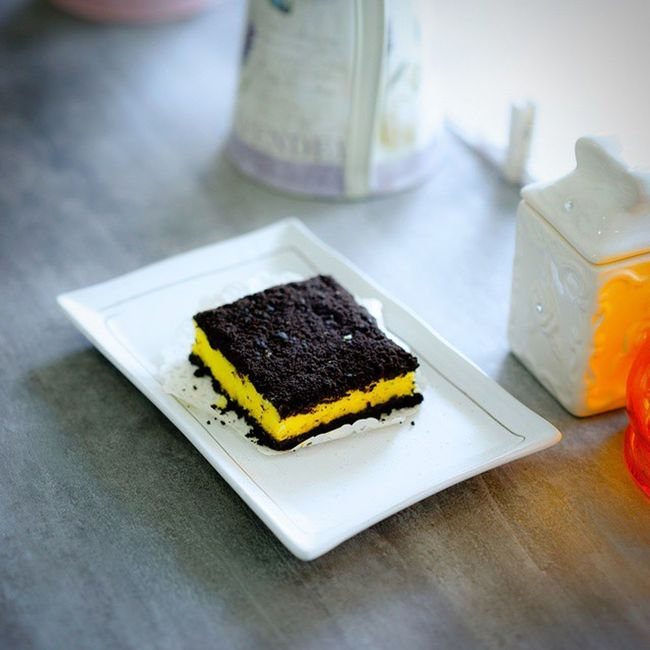 Unlike most Oreo Cheese Cake which tends to be overly sweet, the taste of this charade cake is lighter on the taste and not as sweet. I'll suit those who like lighter taste. Burpple Abitesg Hdbcafe Oreocheesecake tea cafesg