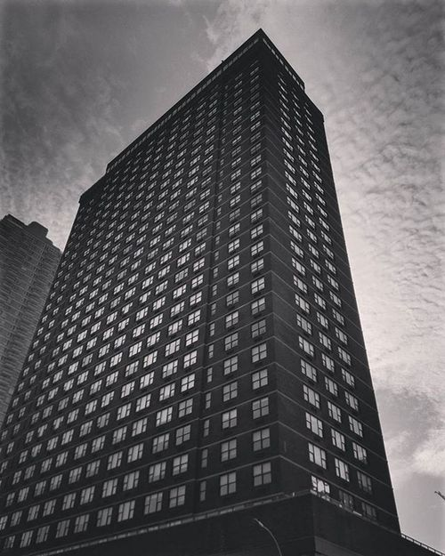NYC (after a coffee) Newyork Travelgram Travel Architecture Building Lookingup Modern Blackandwhite Photography Photo Cloudporn Trip Beautiful Archilovers Iloveny Ilovenyc Newyorkphoto Instacool Instanewyork Mynyc Bigapple Thebigapple