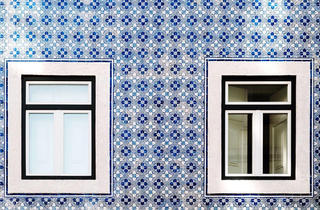 Casual azulejo in Lisbon Blue Window Day Building Exterior No People Built Structure Outdoors Architecture Azulejos Lisbon Portugal Travel Travel Destinations House EyeEm Best Shots EyeEm Gallery EyeEmNewHere Fujifilm Fujifilm_xseries FUJIFILM X-T2 Fujinon Fujinon 18-55mm
