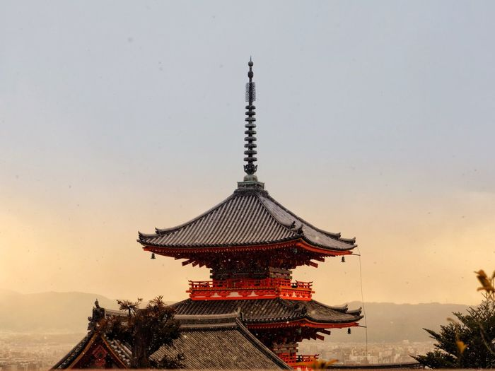 Temple Architecture Temple - Building Architecture Religion Built Structure Spirituality Place Of Worship Roof Colour Your Horizn Colour Your Horizn EyeEmNewHere EyeEmNewHere