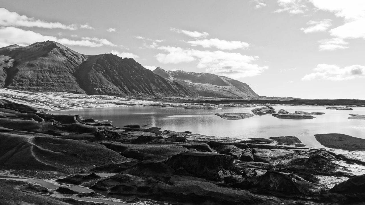 Black And White Blackandwhite Glacier Horizon Iceland Iceland Memories Iceland Trip Iceland_collection Icescape Islande Mountain And Sea Nature Nature Is Art Nature Photography Nature_perfection Naturelovers Peace And Quiet Quiet Moments Quiet Places Roadtrip Rock Formation Silent Moment Vatnajökull Vatnajökull Glacier, Iceland