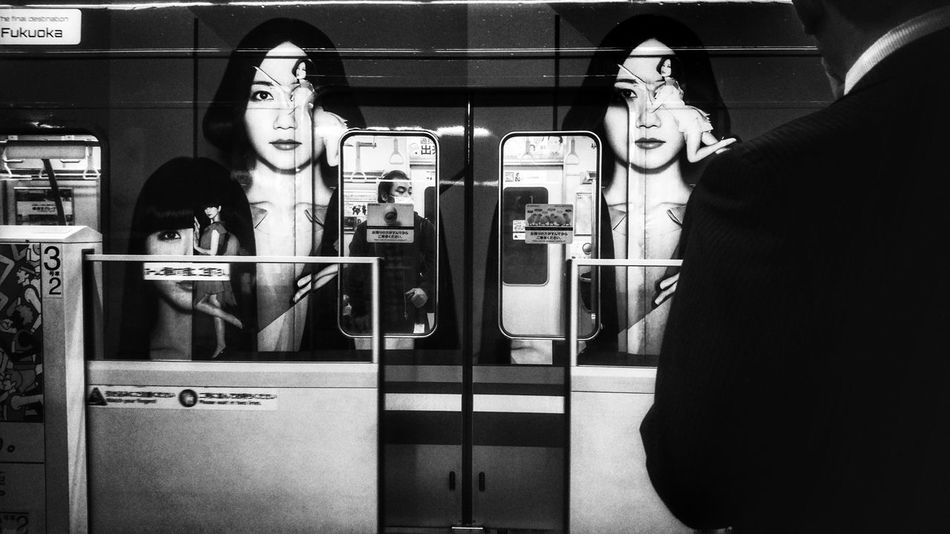 Closing Door Prfm Train People Watching Capture The Moment Looking At Camera From My Point Of View Snapshots Of Life Fukuoka City  Subway Train Snapshot Black And White Monochrome Monochrome_Monday Fukuoka,Japan November 2016 EyeEm Best Shots