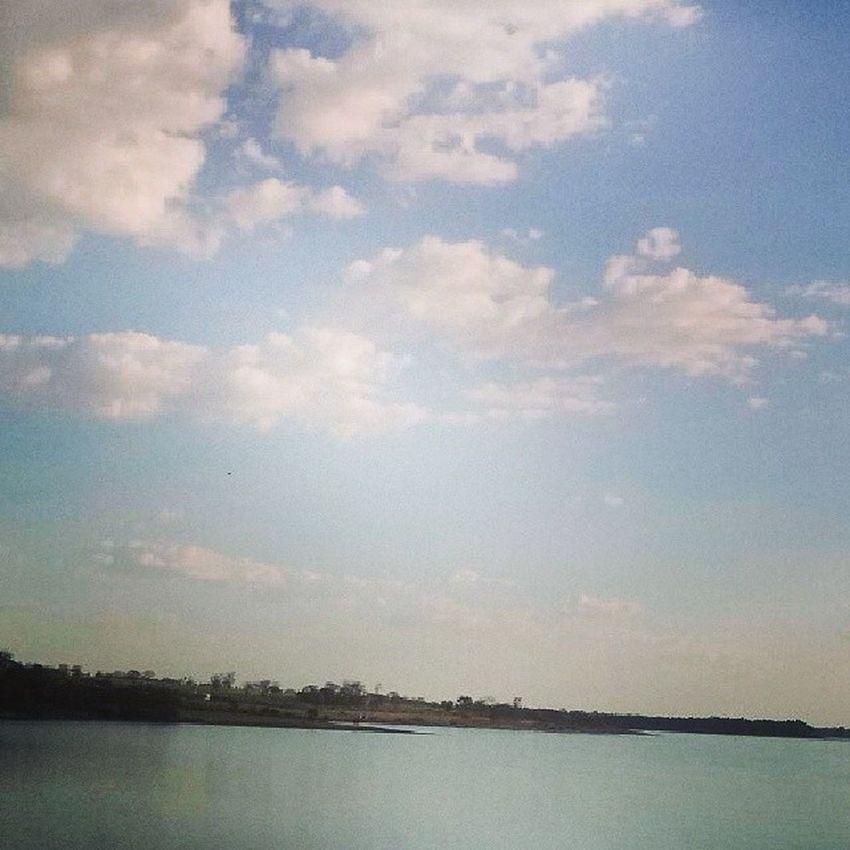 `8) Nuvensbrancas Composicao Pronta Linda , ) 8 Eu vejo você através das nuvens brancas do céu, ,,