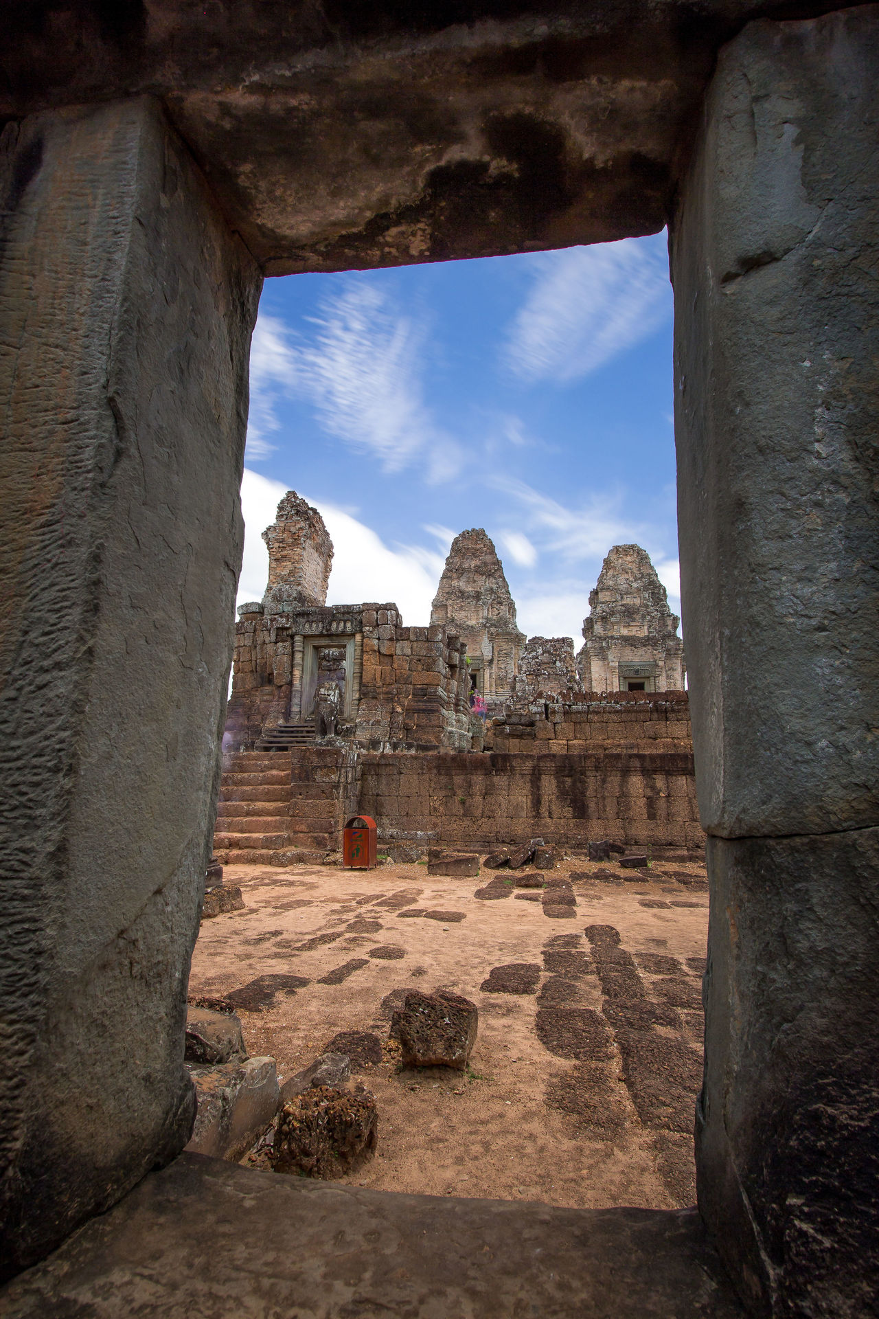 Angkor Wat Angkor Thom Frame Within A Frame Ancient Ruins Ancient Structure