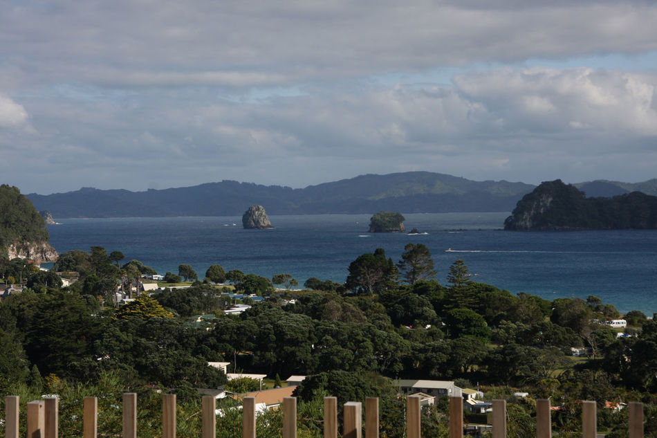 NZ Nz North Island View Landscape Nils Nowacki New Zealand Thiscouldbenewzealand Boats Fence Terrace Trees Water Clouds