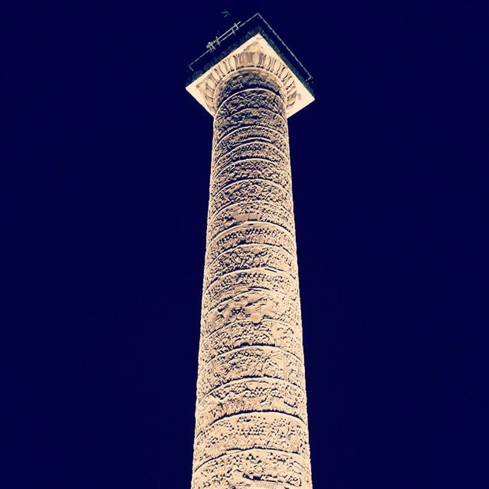 Italy Rome Colonnatraiana Traianacolumn Column Romanempire Romans Instarome Instaitalia Night Lights Light Luci Forotraiano Traianoforo City Love History Old Cool Instamood