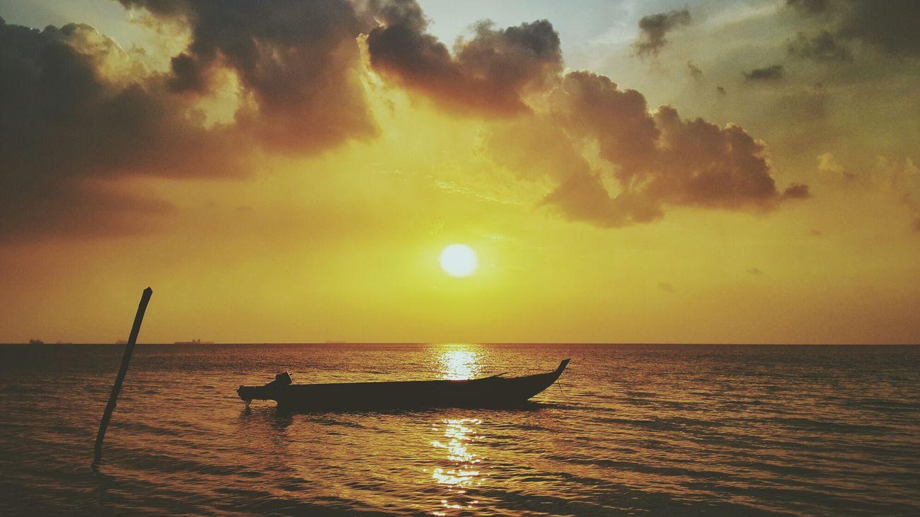Lukisan Senja Sunset Golden Sunset Batam