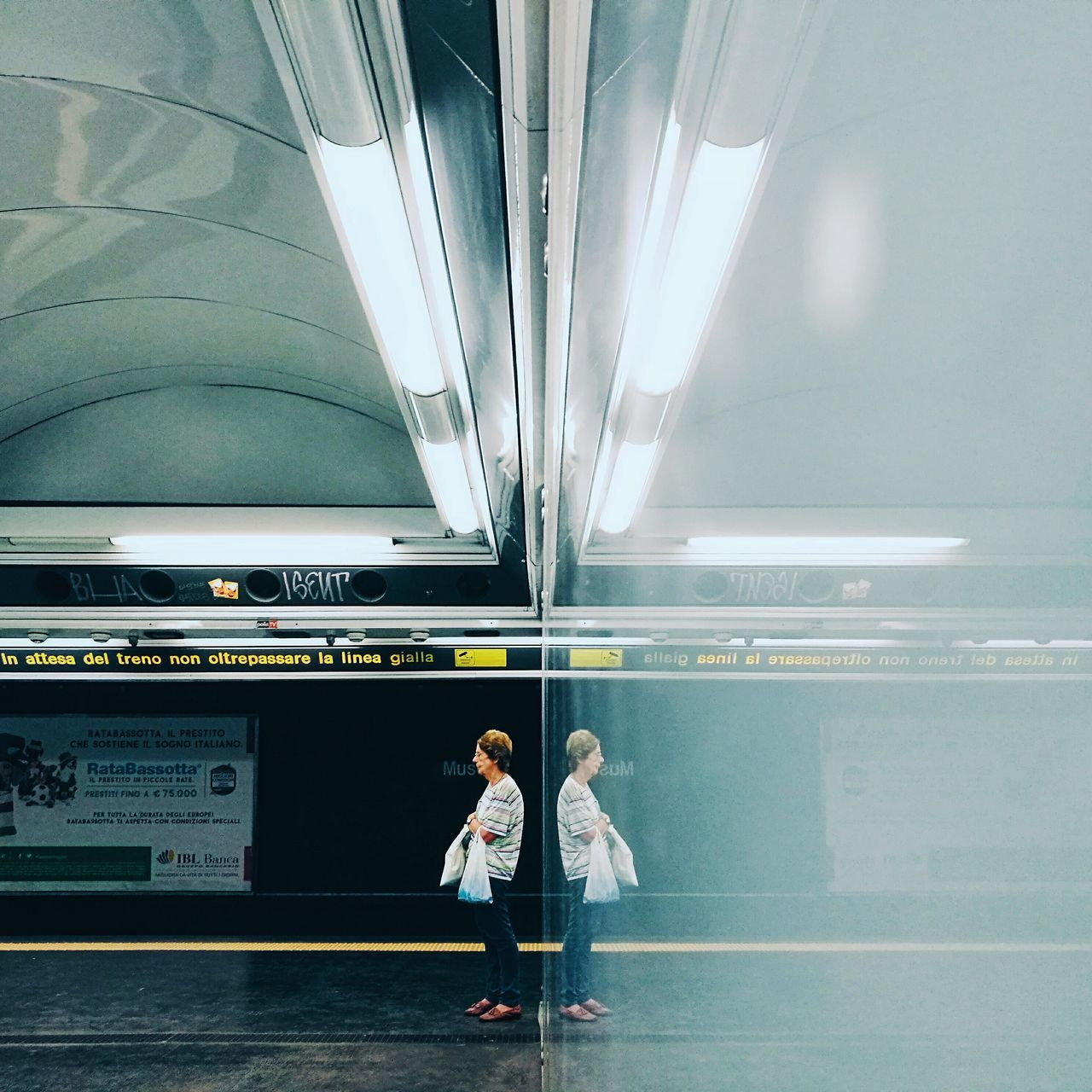 Walking Around City Life TheMinimals (less Edit Juxt Photography) Napoli Notes From Babylon Shootermag Napoli Street HuaweiP9 Youmobile Huawei P9 Leica Metro Life Subway Platform Fine Art Photography Streetphotography Reflection VSCO