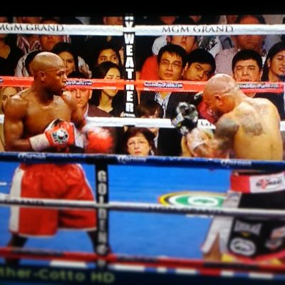 Throwback Cotto -mayweather boxing fight but look closely Revilla family were there front seat pa guess we know where the Porkbarrel goes tsk tsk Politics corrupt