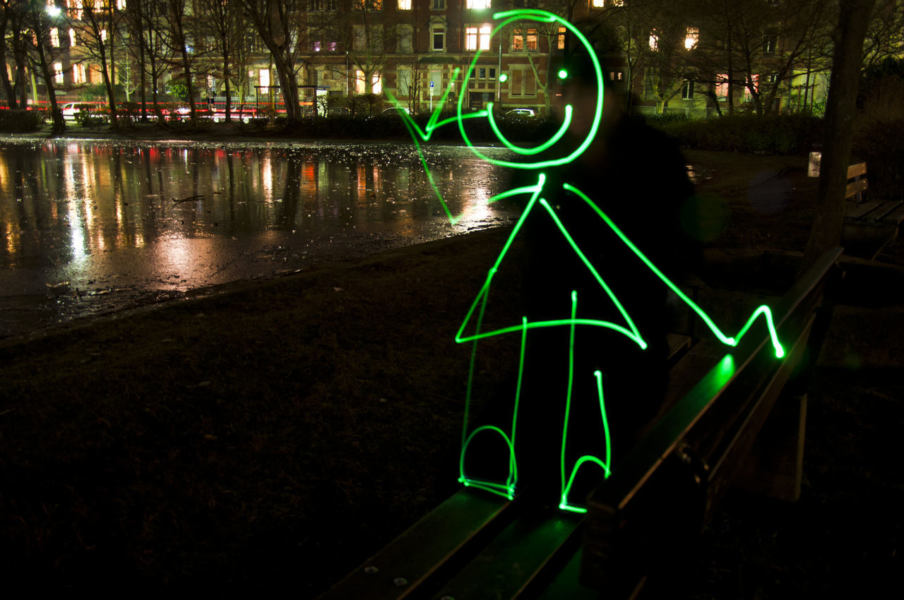 Say hi lightpainting City Green Color Light Painting Lightpainting Lightpaintingphotography Lightwriting Night Outdoors Water