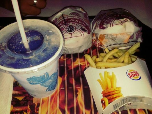 food at Burger King by Alessandra Corrêa