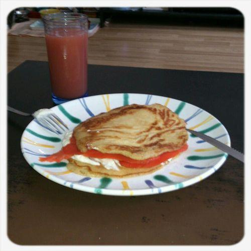 Plinis mit Räucherlachs zum Frühstück