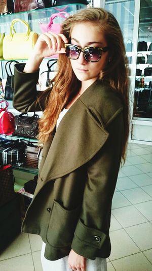 Fashion Beautiful Hello World First Eyeem Photo Model Me 2015  Girl EyeEm Best Edits StephanieRichie 👞fashion is my profession 💃🏾 15 of September 🎥