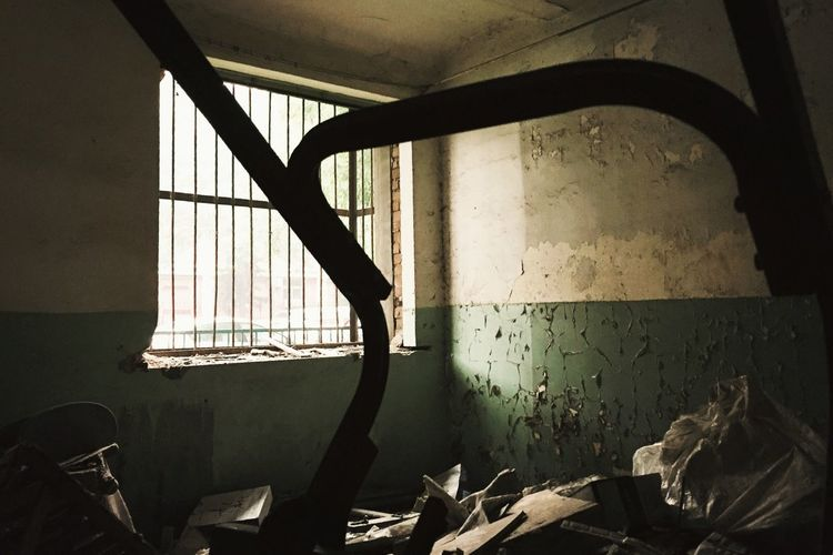 """The Architect - 2015 EyeEm Awards Nailhouse Abandoned Buildings """"Nail houses"""" are the last homes left standing in areas slated for clearance, so called because they stick out when all around them have been demolished. Documentaryphotography The Photojournalist - 2015 EyeEm Awards"""