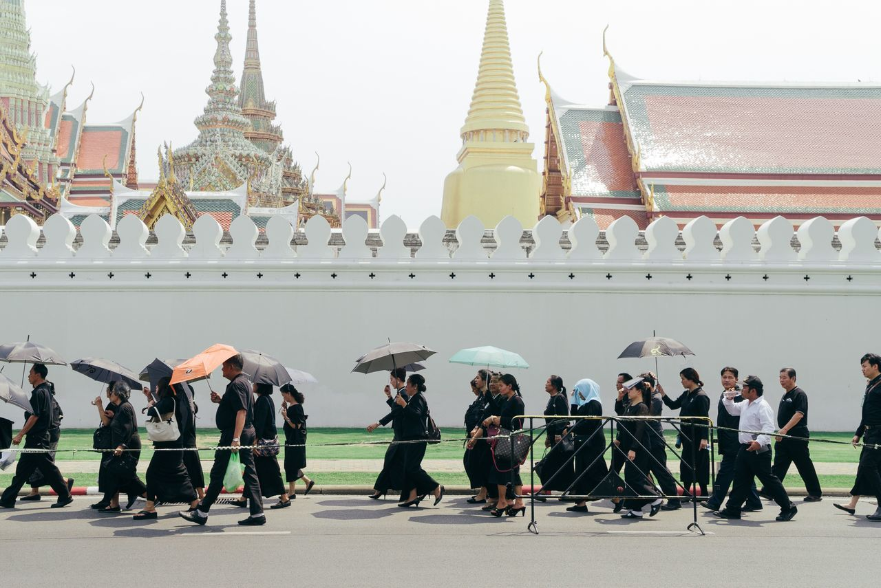 Large Group Of People Building Exterior Place Of Worship Outdoors People Black Bangkok Thailand Sadness King Thailand_allshots Great Palace Bangkok