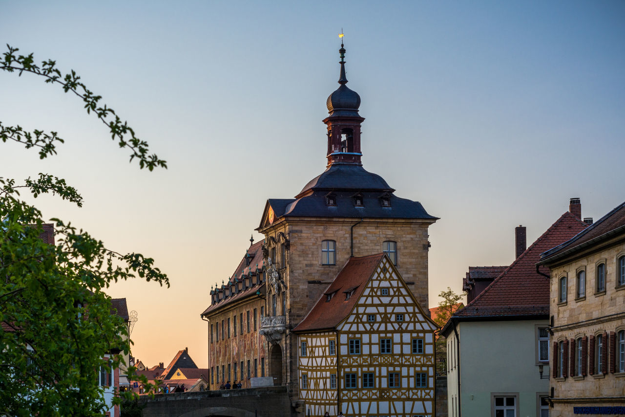 Sunset at Bamberg Altes Rathaus Altes Rathaus Architecture Bamberg  Bayern Building Exterior Built Structure City Day Deutschland Franken Germany Klein Venedig Bamberg Obere Brücke Oberfranken Outdoors Regnitz Residential Building River Schlachthaus Sky Skyporn Sunset Transportation Unesco Untere Brücke