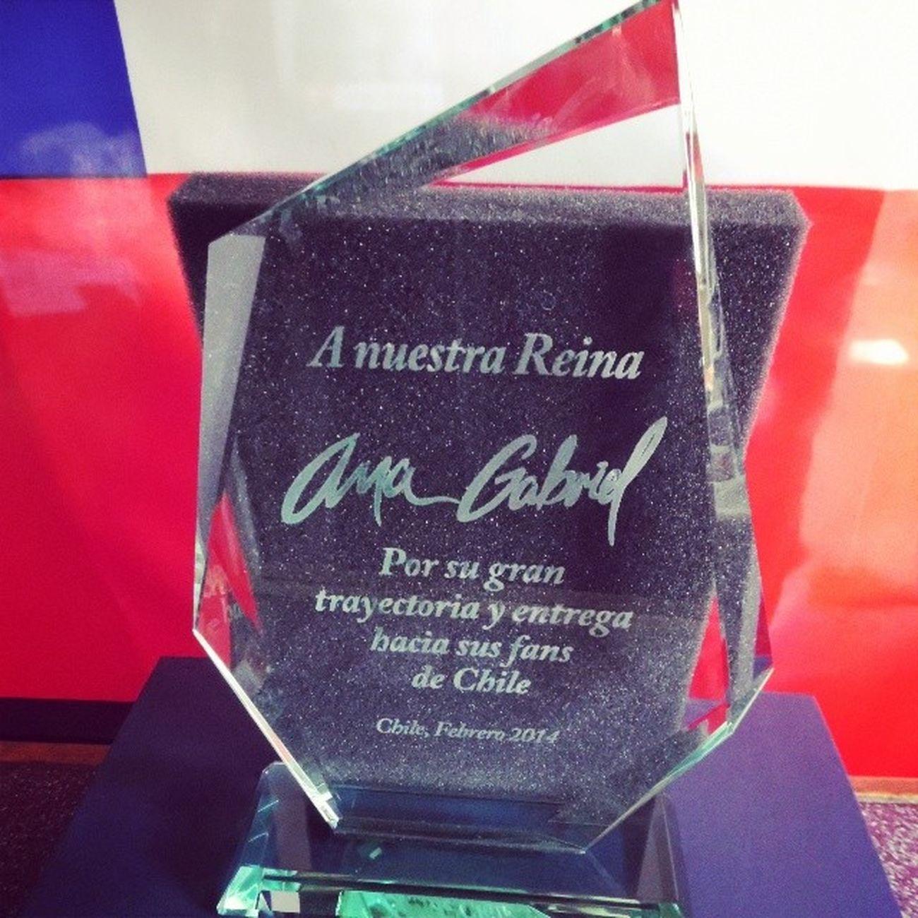 Este es el Galvano que Le  Regale en Nombre de Chile y el Publico de ArenaMonticello a la Reina @anagabrieloficial !!