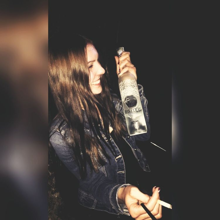 Rudolfskai Visavis Visa Weekend Nightlife Salzburg Austria DRUNKEN NIGHTS Drunk Vodka🍹 Belvedere Belvedere Vodka