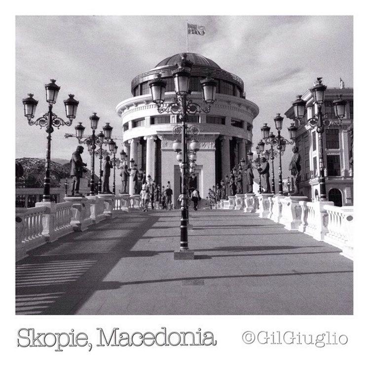 Skopje Macedonia Macedoine Balkans Gilgiuglio AgilPhoto Noiretblanc Blackandwhite Architecture Skopje2014